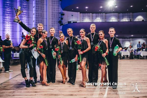 Mistři ČR Družstev ve standardních a latinskoamerických tancích COOL DANCE