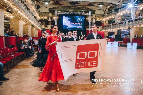 Druzí Vicemistři ČR ve standardních tancích družstev COOL DANCE